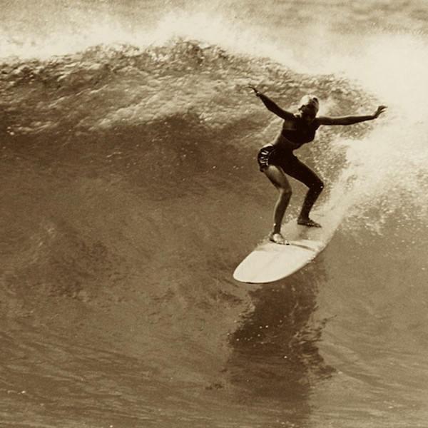Уже в 15 лет Линда Бенсон стала чемпионом международного серфинг-турнира в Макахе на Гавайях. 1959 год.