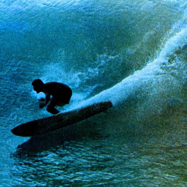 Австралийца Нэта Янга называют самым влиятельным серфером второй половины 20 века. Чемпион мира 1966 года, он стоял в авангарде как так называемой революции шортбордов, так и возрождения лонгбордов. 1967 год.