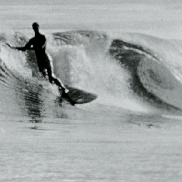 Худощавый, светловолосый и очень мягко державшийся на доске Кемп Ааберг был иконой серфинга конца 50-х начала 60-х годов. На фото он в калифорнийском Холистер Ранч. 1960 год.