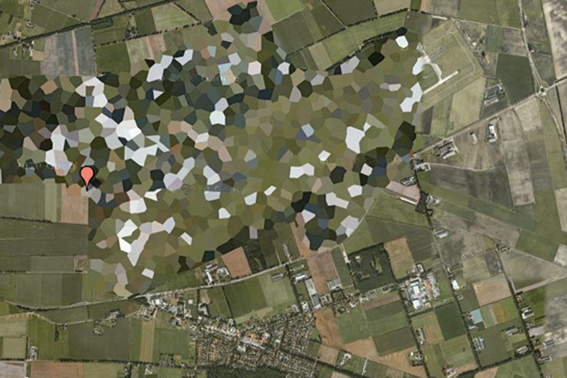 Авиабаза Волкель, Голландия. Объект «замаскировали» так, что по своей структуре он скорее напоминает мозаику.