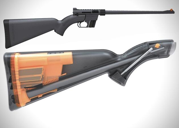 Складная винтовка Henry U.S. Survival AR-7: Вообще изначально модель была разработана для защиты американских летчиков, которым приходится забираться в неведомые дали, но подобный арсенал взяли на вооружение, в прямом смысле слова, выживальщики, то и дело бросающие вызов дикой природе.Идеальный вариант персонального оружия: длина ствола позволит охотится, а компактность — не иметь проблем с переноской. Весит полуавтоматическая винтовка всего 3,5 кг. и упаковывается в приклад. Сборка и разборка занимает всего пару минут и не требует каких-либо вспомогательных инструментов. Корпус водонепроницаем, ударопрочен, а стальные элементы покрыты тефлоном. Магазин рассчитан на 8 патронов.