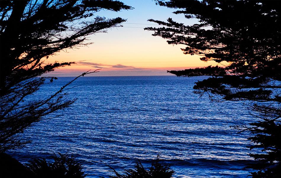 19:29, 22 сентября, Пляж в Бухте Серого кита, Калифорния. Фото: Ян Аллен