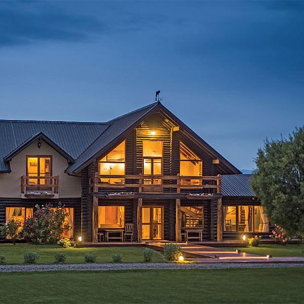 ВТревелине стоит задержаться, даже не будучи фанатом рыбалки — вы можете просто арендовать дом с прекрасным видом и превосходной кухней неподалеку.