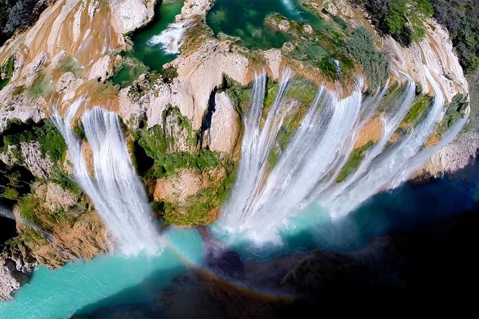 Водопад Тамул в мексиканском штате Сан-Луис-Потоси.