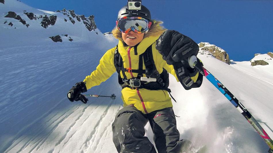 Экшн-камеры И все-таки сперва об экшн-камерах, которые совершили революцию в самом восприятии опыта катания в горах. GoPro и его конкуренты сделали возможным заснять каждое движение, каждый трюк и поделиться ими с остальным миром в высоком разрешении, причем сделали продукт доступным каждому.