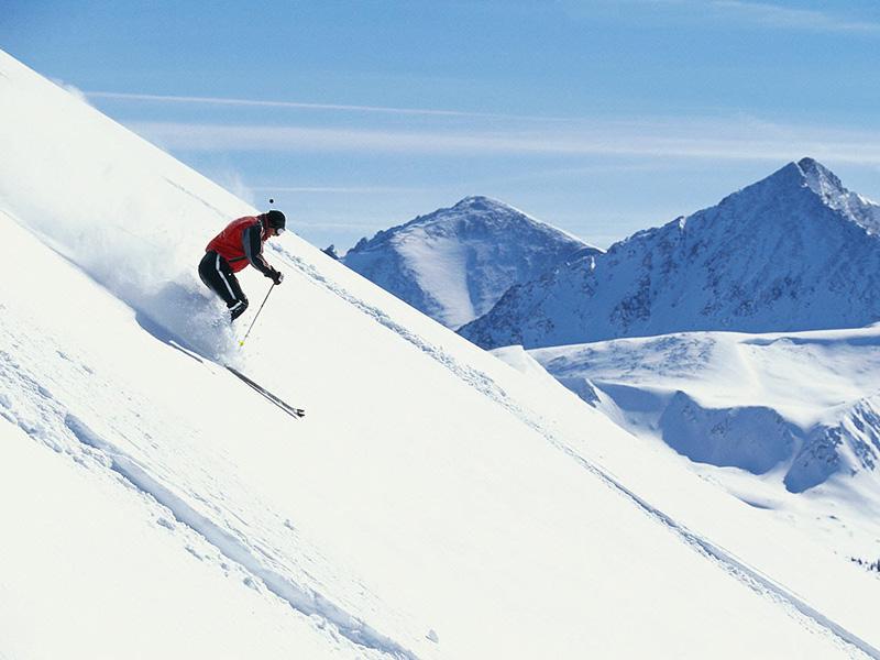 Правило №14 На вогнутом скате все наоборот — эта форма наклона делает снежный покров более устойчивым.