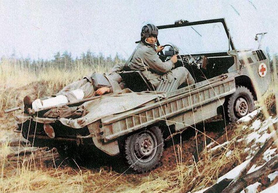 В начале 1950-х в период Корейской войны Луцкий автомобилестроительный завод по заказу Минобороны разработал транспортер переднего края —ТПК. Это была моторизированная тележка повышенной проходимости не более полуметра в высоту, с полным приводом и лебедкой, которую предполагалось выбрасывать с парашютом с самолета. Но, пожалуй, главной особенностью была его способность передвигаться по воде.