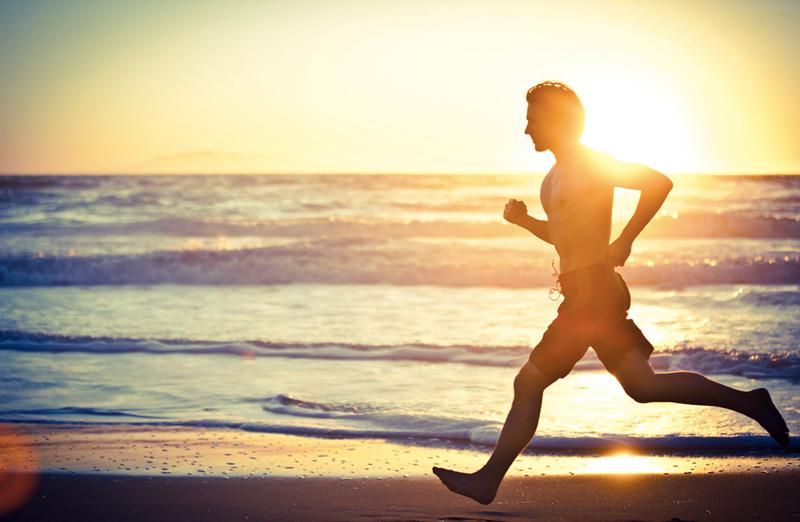 Солнце Никойцы много находятся на солнце, благодаря чему увеличивается выработка витамина D, способствующего укреплению костей и общему здоровью. Дефицит витамина D вызывает множество проблем, например, остеопороз и сердечные заболевания. Регулярные солнечные ванны, примерно по 15 минут на руки и ноги, дополняют рацион и восполняют недостаток этого важного элемента.