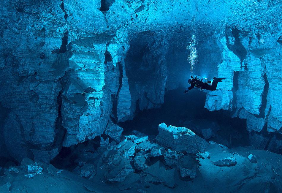 Ординская пещера на реке Кунгур, Россия