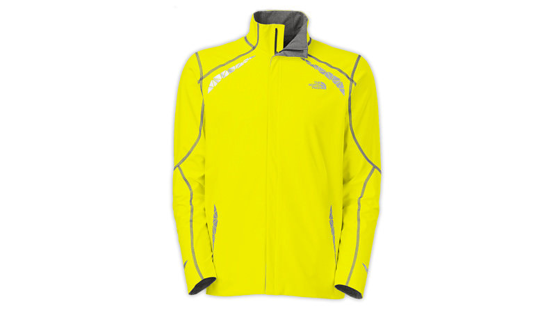 Куртка Куртка для бега должна быть, в первую очередь, нетяжелой и плотной, особенно в районе плеч, верхней части спины и ключицы, где самый сильный контакт с рюкзаком. В этом плане хорошо подходит продукция The North Face — двусторонние куртки надежно защищают от осадков и имеют дышащую поверхность с обеих сторон. Как правило, одна из сторон — яркого цвета, который заметен на улицах вблизи дорог, а вторая — в спокойных темных тонах. Ориентировочная цена: 3000 – 5000 рублей.