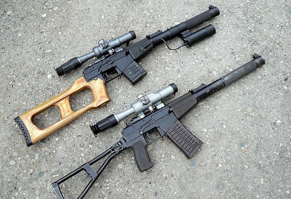 Винторез Эту бесшумную снайперскую винтовку разработали в тех же 1980-х годах, что и АСВК. Предназначалась она для специальных подразделений. Позднее, после распада СССР, винторез активно применялся во время Первой и Второй чеченских войн, а также во время грузино-осетинского конфликта. Длина винтовки не достигает и 90 сантиметров, а масса — менее трех килограмм.