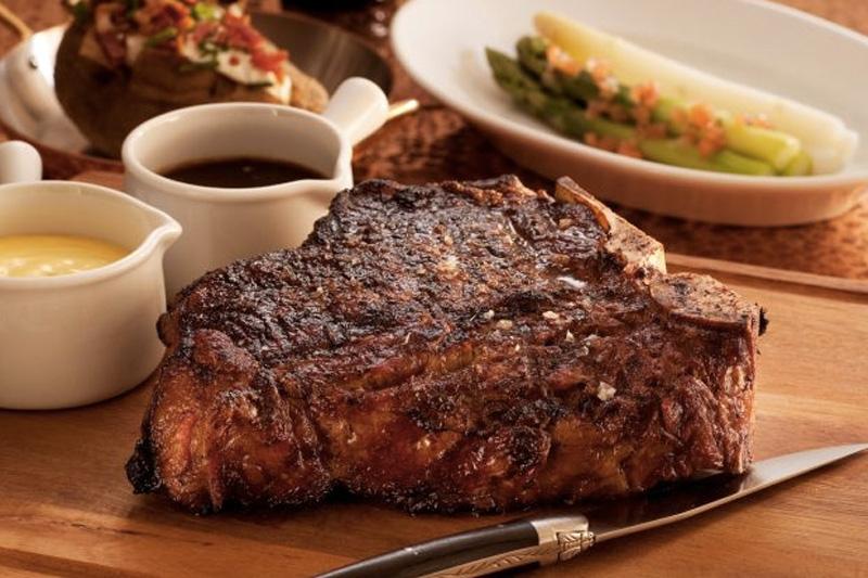 Мясо Для достижения максимального согревающего эффекта отлично подходит мясо. Оно позволяет быстро согреться, надолго насыщает и обеспечивает организм многими полезными веществами. Мясо можно добавить в меню как в составе наваристых бульонов, так и в качестве самостоятельного блюда.