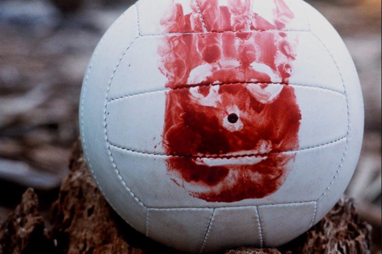 Совет #2. Очеловечивайте объекты Именно об этом гласит значение слова «антропоморфизация» —к животным и неживой природе можно относиться как к людям. Вам нужно разговаривать с кем-то кроме себя, чтобы мозг нормально работал и не утратил способность к речи. Самый известный пример подобной техники — волейбольный мяч Уилсон, с которым дружил персонаж Тома Хэнкса в фильме «Изгой». В реальной жизни были случаи, когда пропавшие альпинисты разговаривали с горой.