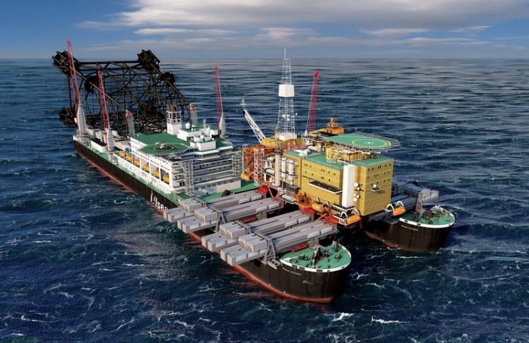 Команда Обслуживает катамаран команда из 571 человека, в числе которых моряки, инженеры, специалисты по подъему и установке морских буровых платформ и вспомогательный персонал.