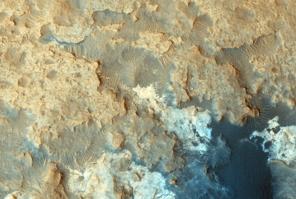 Снимок с марсохода Curiosity, сделанный в декабре 2014 года.
