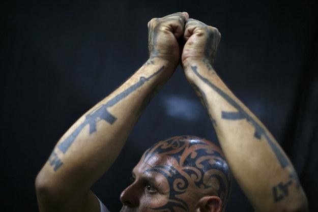 Луис Альфонсо и его татуировки.