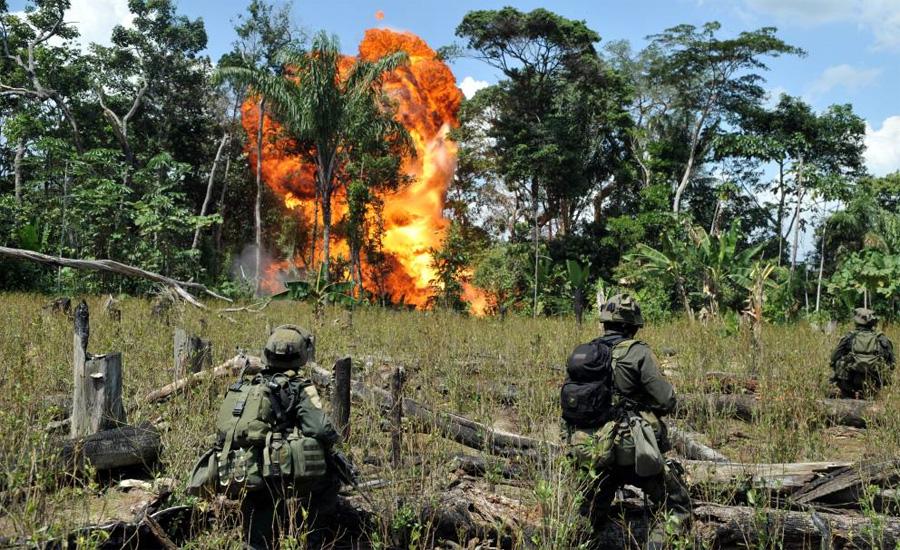 Колумбия Год спецоперации:2011Суммарный вес конфиската:15 тоннСостав:кокаин Смерть Пабло Эскобара практически никак не повлияла на уже хорошо развитый наркорынок Колумбии. Два года назад, в результате всего одной операции, полиция уничтожила несколько складов, доверху забитых кокаином, всего на 415 миллионов долларов.