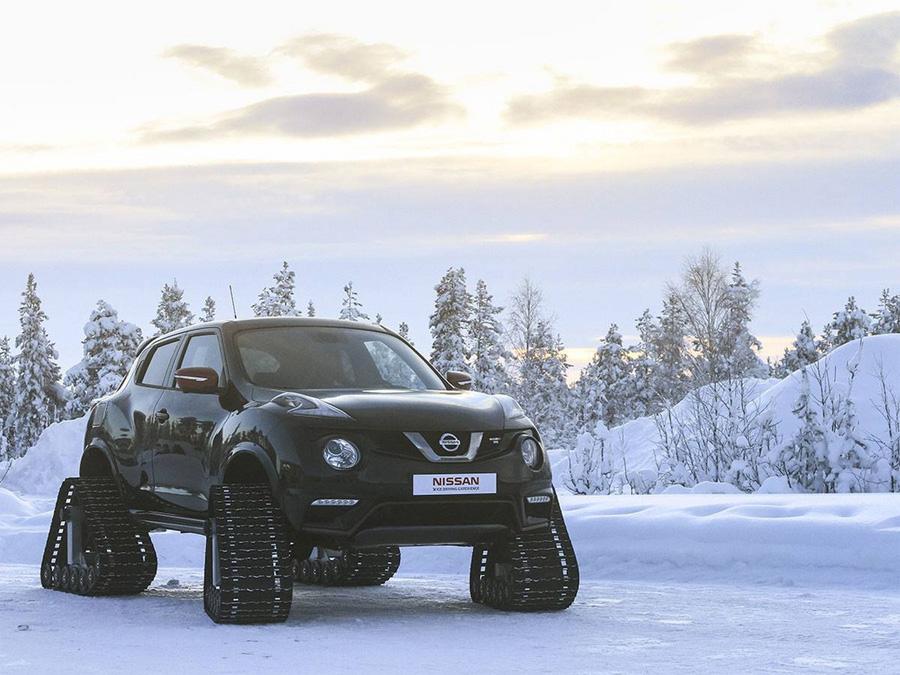 Еще более удачной находкой стала разработка гусеничной базы Dominator. Ее, по заверениям мастеров Track Truck! можно элементарно установить практически на любую машину. Весь монтаж занимает меньше трех часов — то есть, за три часа, при необходимости, вы сможете превратить свой старенький пикап во вполне сносный снегоход.
