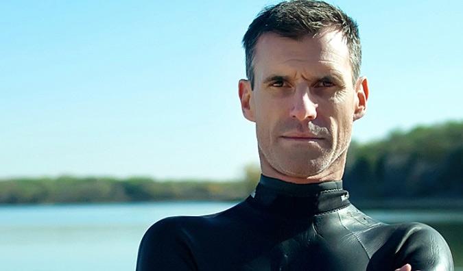 Последние годы о Бене Лекомт ничего не было слышно, и многие уже успели списать его со счетов как героя одного рекорда. Однако пловец и не думал почивать на лаврах славы. Сейчас Бену 47 и он твердо настроен покорить Тихий океан.