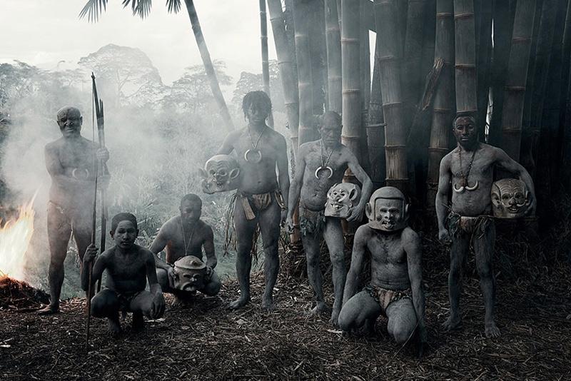 Асаро,Индонезия и Папуа-Новая Гвинея