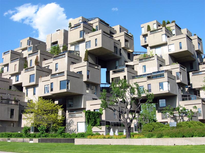 Хабитат 67 Монреаль, Канада Эти 354 куба из бетона, отдаленно напоминающие жилые помещения, спроектированы архитектором Моше Сафди в 1966—1967 годах. Выглядящие так, будто их собирали из кубиков лего, эти квартиры служат напоминанием жителям Монреаля о перенаселенности современных городов. Однако его жильцов совершенно не радует тот факт, что Хабитат 67 признан паркурщиками всего мира как самый удобный дом для тренировок и соревнований.