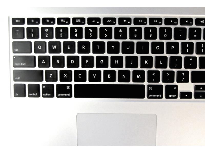 Очистка клавиатур и разъемов Для всех этих и других скрытых и малодоступных мест тонкое жало зубочистки просто незаменимо. Пришло время выгрести из твоей клавы все те тонны крошек, что скопились в ней за эти годы.
