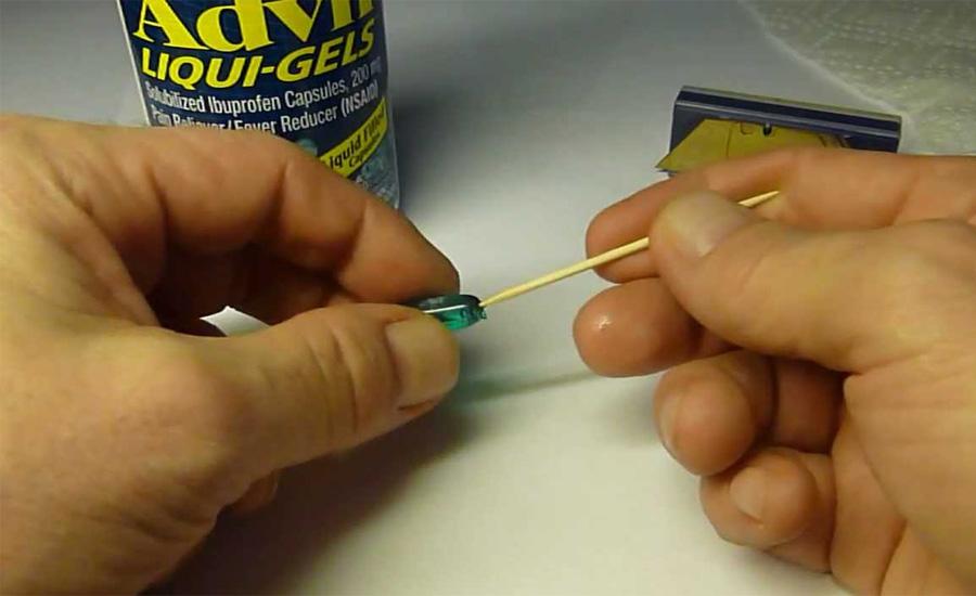Укусы насекомых Разжуйте табак, а затем приложите его к укушенному месту. Боль утихнет, а ранка заживет довольно быстро.