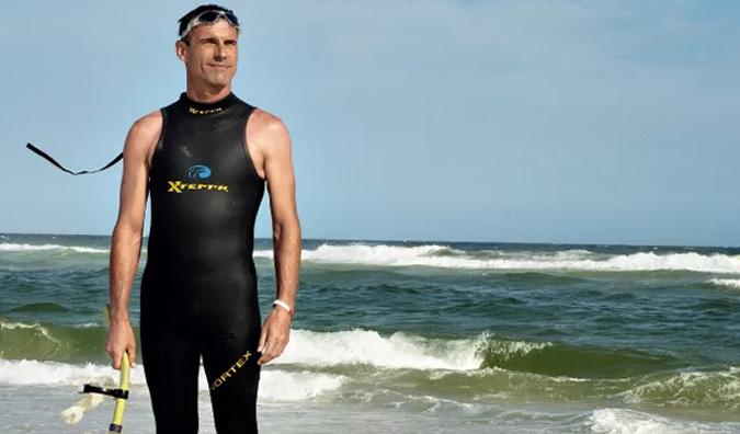 Во время заплыва Бен будет использовать GPS. С помощью него неутомимый пловец будет фиксировать координаты каждого отрезка. Это позволит ему начинать новый заплыв именно в том месте, где закончился предыдущий.