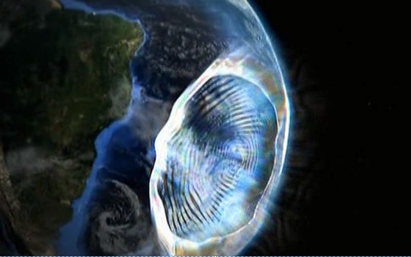 Магнитное поле и магнитные полюса Причина возникновения Южно-Атлантической аномалии доподлинно неизвестна, но, похоже, она связана с другими, гораздо более опасными явлениями – падением напряженности общего магнитного поля Земли (что происходит уже на протяжении 150 лет) и сменой ориентации магнитных полюсов планеты.