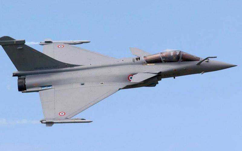 Rafale Французский двухмоторный истребитель Rafale в воздухе демонстрирует просто чудеса маневренности.