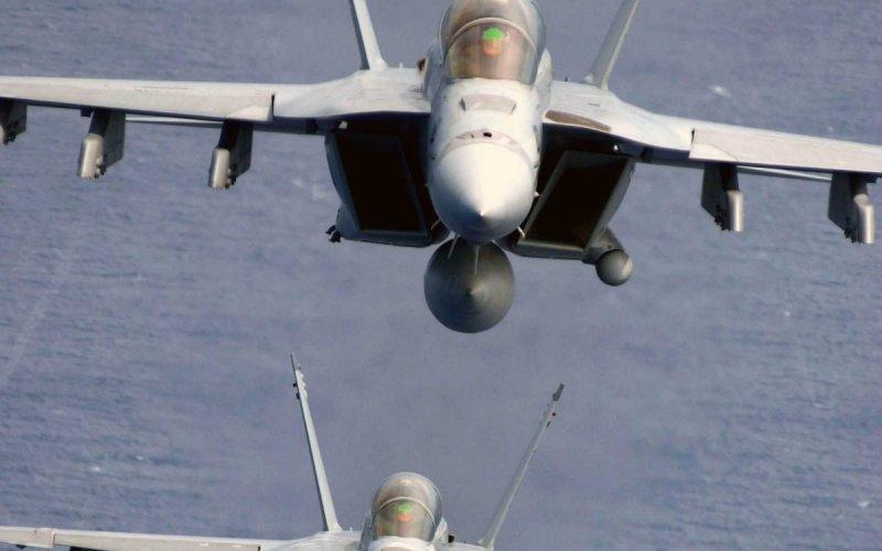 F-18 Super Hornet Один из самых надежных в мире самолетов, на международном рынке конкурирующийс Saab Gripen и Typhoon.
