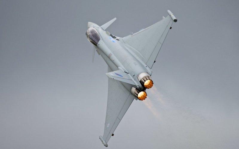 The Eurofighter Typhoon Возможно, один из лучших боевых самолетов в мире, по числу проданных экземпляров конкурирующий с F-18 Super Hornet.
