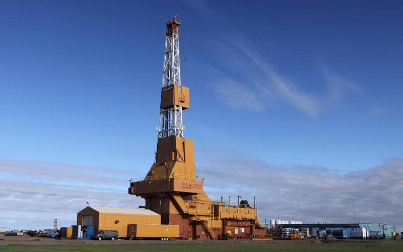 BD-04A (Катар, 12289 м) 7 лет назад на нефтяном месторождении Al-Shaheen в Катаре была пробурена геологоразведочная скважина BD-04A. Примечательно, что буровая платформа компании Maersk смогла достигнуть отметки в 12 километров в рекордные 36 дней!