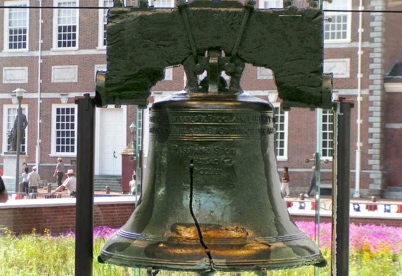 Колокол Свободы, Филадельфия Один из главных символов борьбы за независимость от Великобритании. Интересен тот факт, что в 1996 году компания Тако Белл заявила, что купила Колокол Свободы и переименовала его в «Колокол Свободы Тако».