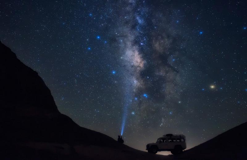 Ибрагим Аль-Авади. Вторая премия номинации «Жить приключением». Гора Аль Медавара, в 100 км. к юго-западу от Каира.