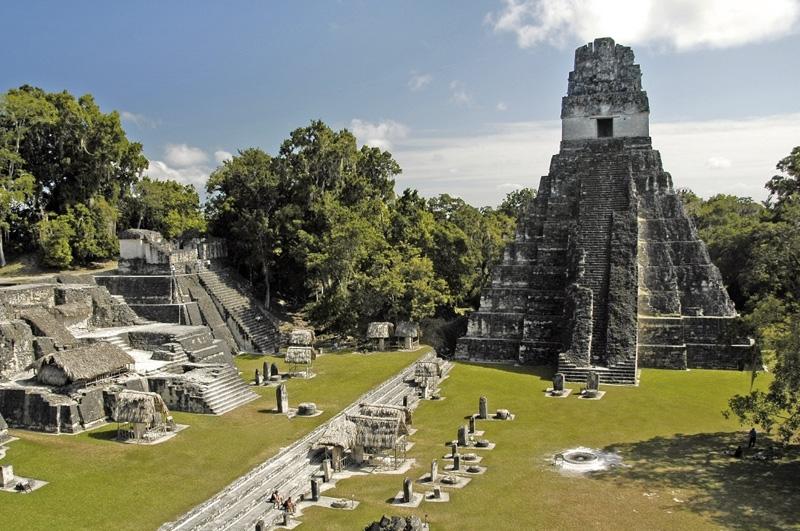 Исследовать руины одного из крупнейших городов майя — Тикаль, скрытого в джунглях Гватемалы.