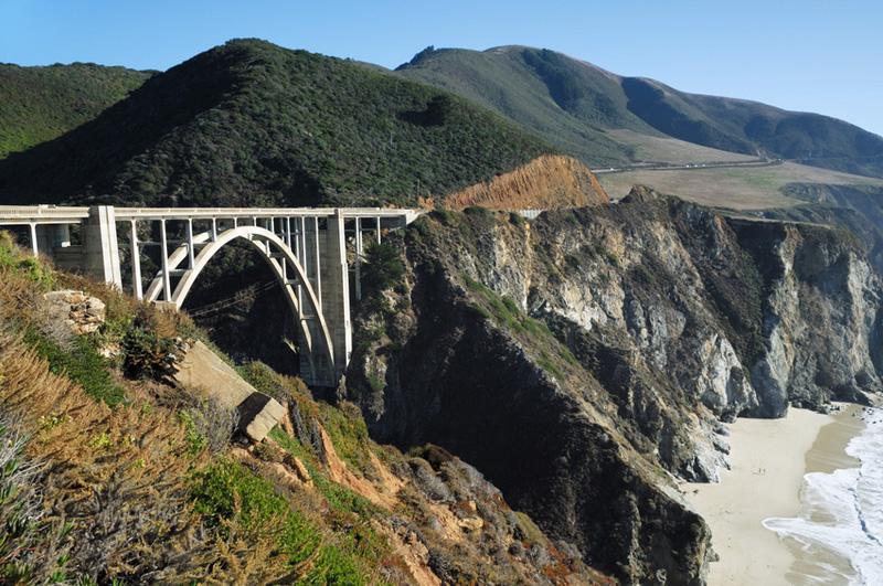 Проехаться по живописной трассе Pacific Coast Highway в Калифорнии.