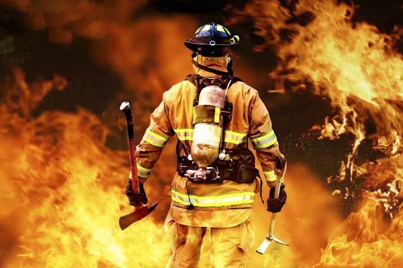 Сверхсила Установлено, что человек расходует до 70% своей мускульной энергии, а остальные 30% —резерв на чрезвычайный случай. Такой случай выпал в дежурство пожарного Криса Хикмана в 2008 году во Флориде. Без посторонней помощи и вспомогательных инструментов он приподнял на 30 см. от земли автомобиль Chevrolet Blazer, чтобы освободить зажатую руку водителя.