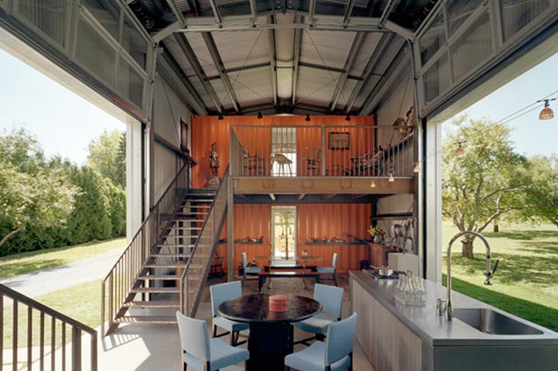 Морские контейнеры Свой собственный дом архитектор Адам Калкин собрал из нескольких морских контейнеров. В реализации этой смелой задумки больше всего Адама привлекала долговечность и низкая стоимость: каждый из контейнеров обошелся архитектору в 1000 долларов.