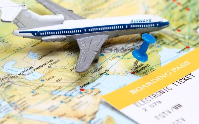 Бронируйте билет заранее Самую дорогостоящую ошибку люди совершают, покупая авиабилеты прямо перед своим вылетом. Чем раньше вы забронируете билет, тем дешевле он вам обойдется. Начните планировать свое путешествие на 1-2 месяца раньше и тогда же приобретайте билеты. Только внимательно изучите перед покупкой условия возврата билетов – за 2 месяца многое может поменяться.