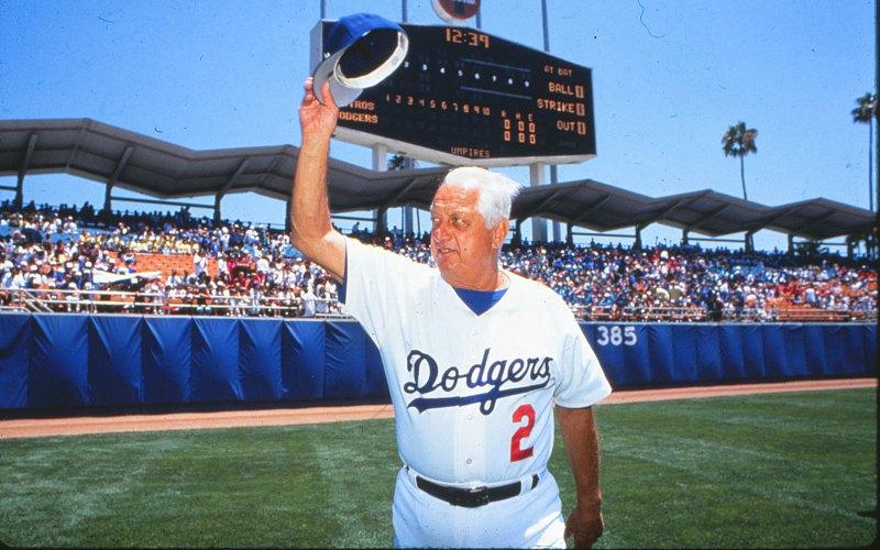 Какой ты? «В бейсболе, как и в любом другом деле,есть три типа людей: те, кто творят происходящее, те, кто смотрят на происходящее и те, кто удивляются, что это вообще происходит» Томми Лэзорда, Зал славы бейсбола, игрок и менеджер (1954-1956, игрок; 1976-1996, менеджер)