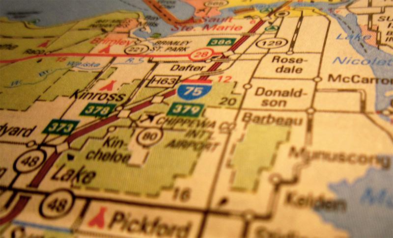 — 1 — В первую очередь, основательно подготовьтесь к поездке. Определите свои цели и, исходя из этого, проложите маршрут, купите билеты и забронируйте отель или отели. Не пренебрегайте для поиска жилья и других услуг различными сервисами вроде Airbnb, Аviasales. Изучите самые интересные места в городе и расположение небезопасных районов, куда лучше туристу не соваться.