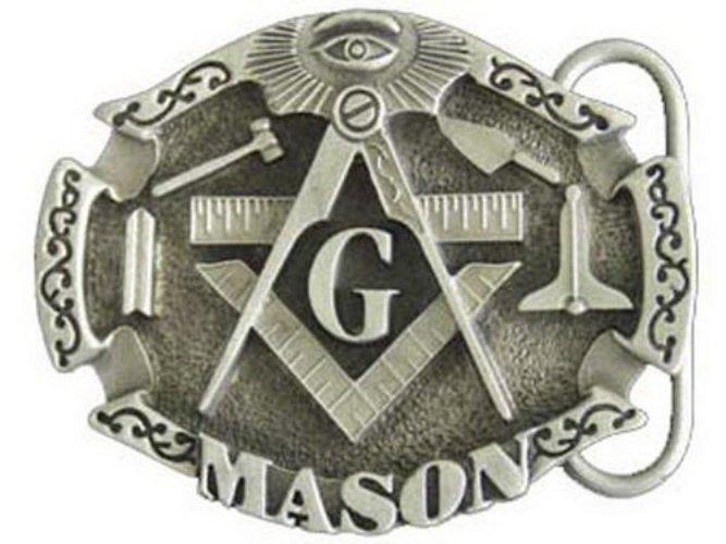 Масоны Официальной датой возникновения масонства принято считать 1717 год, но существуют документы, датируемые 1300 годами, в которых уже упоминаются масоны. Собрания масонов проводятся в ритуальной форме, а кандидаты в регулярное масонство должны верить в Высшее Существо. Сами масоны говорят, что их целью является нравственное совершенствование, развитие и сохранение братской дружбы и благотворительность. Считается же, что сообщество стремится к достижению политического влияния во всем мире. Наиболее известными членами общества были Уинстон Черчилль, Марк Твен, Джеймс Бьюкенен, Боб Доул, Генри Форд, Бен Франклин и многие другие. Всего членами общества являются около 5 миллионов человек по всему миру.