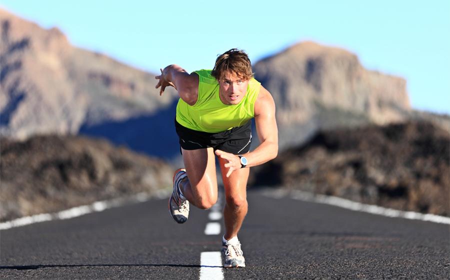 Низкий уровень энергии После первой половины тренировки, вы начинаете испытывать усталость. Это вторая попытка организма сэкономить накопленную на диване энергию, бороться с ней не так просто. Во второй части занятия, или под самый его конец, спортсмен испытывает вполне понятную усталость. Концентрация снижается, хочется все бросить и отправиться, в конце концов, к уютному дому. Переступите через себя и выполните намеченный план до конца. Это в разы повысит выносливость и работоспособность организма.