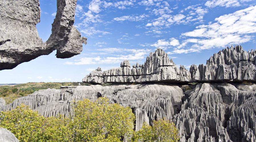 Горы Намули Мозамбик Равнины Восточно-Африканского плоскогорья — одно из самых неизведанных и романтичных мест в мире. Большую часть этой территории могут исследовать только профессиональные скалолазы. Поэтому природа региона, по большей части, остается девственно-чистой до сих пор.