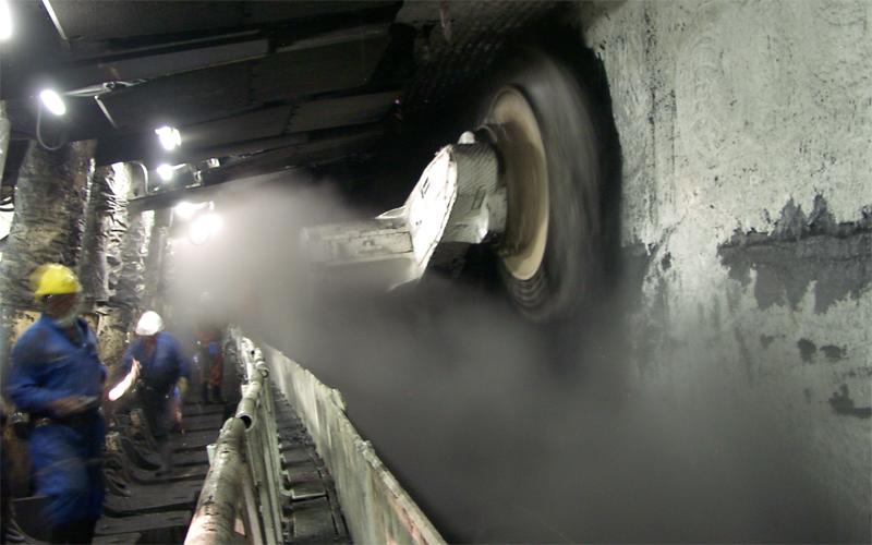 Шахтерская-Глубокая Донбасс Глубина: 1546 метров Эта шахта была введена в эксплуатацию всего два десятка лет назад. Оборудование, использующееся здесь, считается очень современным, а количество несчастных случаев сведено к минимуму.
