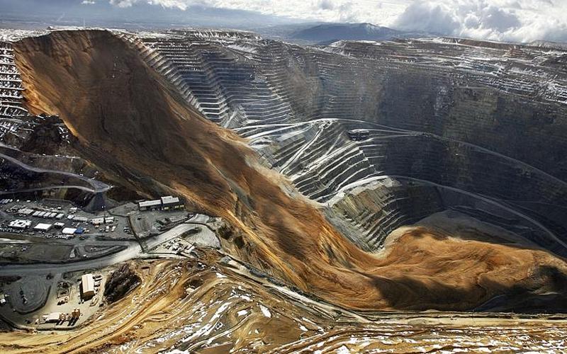 Западная шахта глубокого залегания ЮАР Глубина: 3800 метров Одна из самых опасных шахт в стране. Здесь постоянно гибнут люди — но когда люди не гибли за желтый металл? Температура у дна ЗШГЗ достигает 60 градусов.