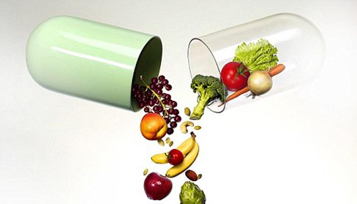 ВитаминыНе пренебрегайте продуктами, содержащими цинк и витамин В1. Кунжутные семечки, грецкие орехи, свекла - включите их в свой летний рацион. Помогут и поливитамины. Цинк и витамин В1 неуловимо изменяют аромат кожи, делая ее непривлекательной для комаров.