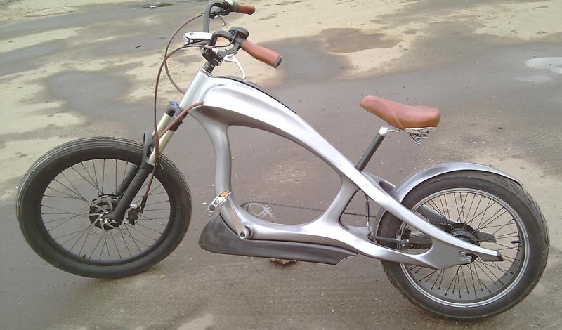 Диаметр колес Обычный диаметр колеса современного электровелосипеда составляет 26-28 дюймов. Такие колеса дают наезднику уверенность и комфорт на дороге. Иногда на велосипед ставят колеса диаметром 16-24 дюйма — так его удобнее хранить.