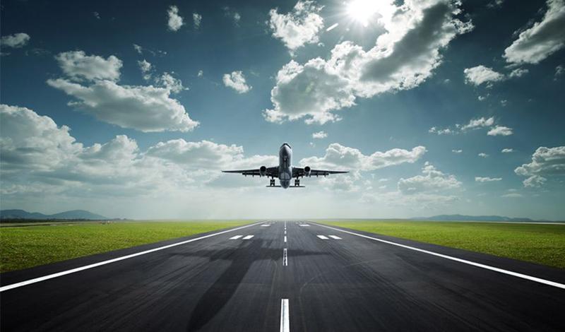 Выбор самолета Размер имеет значение — по крайней мере, в этом случае. Исследования, проведенные специалистами гражданской авиации США, показали, что большие самолеты при столкновении поглощают большее количество кинетической энергии. Соответственно, повышаются шансы каждого пассажира получить меньше травм.